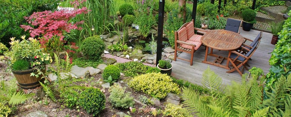 שיש לגינה וריהוט גן: כך תשדרגו את הגינה שלכם