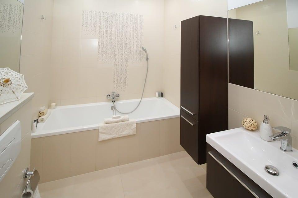 שדרוג חדרי האמבטיה: מה עוד חשוב לדעת מעבר לבחירת שיש?